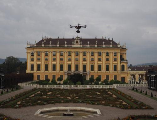 Drohne bei Filmaufnahmen in Wien Schönbrunn mit Sonderaufstiegserlaubnis